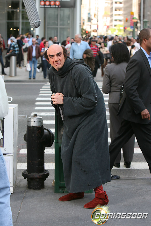 Hank-Azaria-as-Gargamel-in-The-Smurfs-movie-2